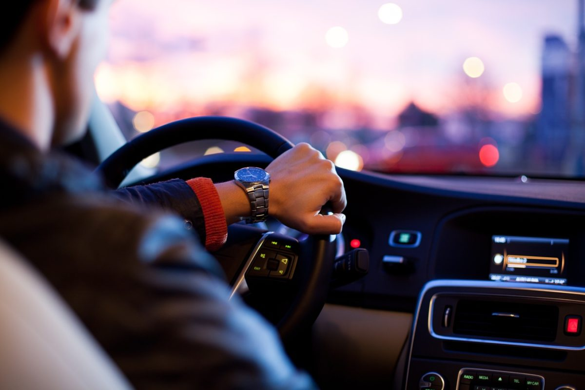 5 Defensive Driving Habits That Every Young Driver Should Adopt