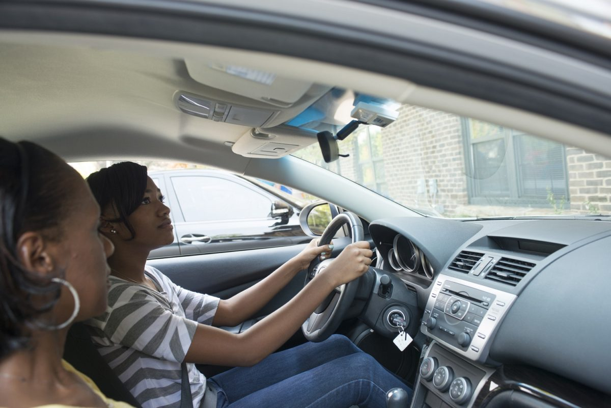 Useful Tips for Women to Improve their Driving Skills